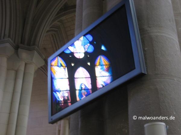 Flachbildschirme und Lautsprecher von Bose