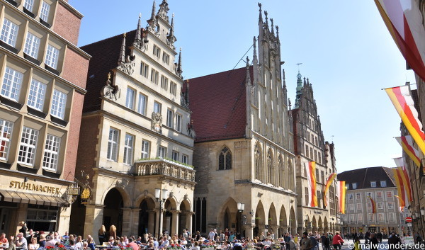 Rathaus und Stadtweinhaus