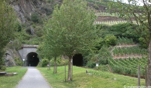 Radweg auf der alten Bahnstrecke bei Altenahr