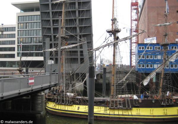Einlaufendes Segelschiff