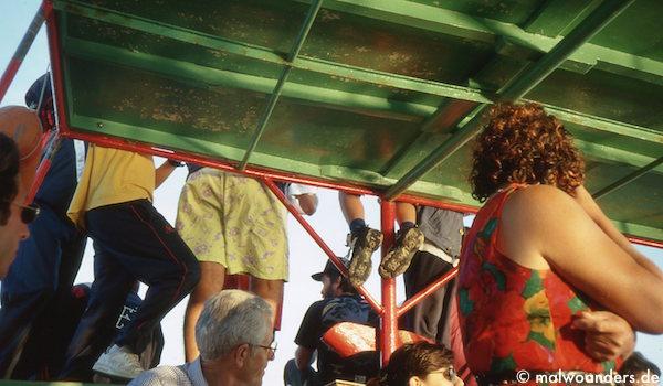 Überfahrt mit dem kleinen Fährboot